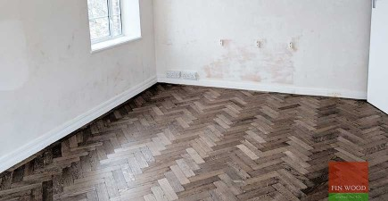 Curved border and undercut skirting boards in Wimbledon #CraftedForLife